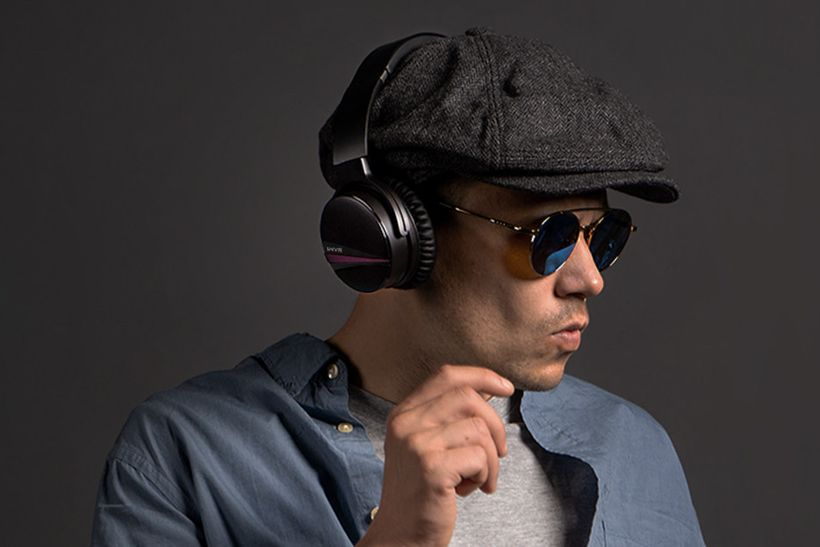 SHIVR Announces Launch of Revolutionary Noise Cancelling 3D Wireless Headphones